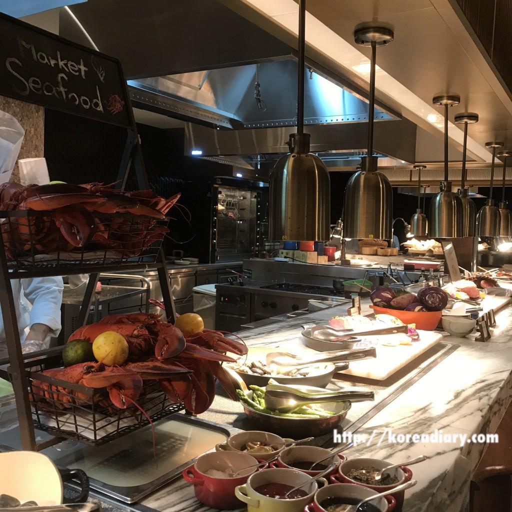 フォーシーズンズホテルソウルのThe Market Kitchenでランチビュッフェ♪