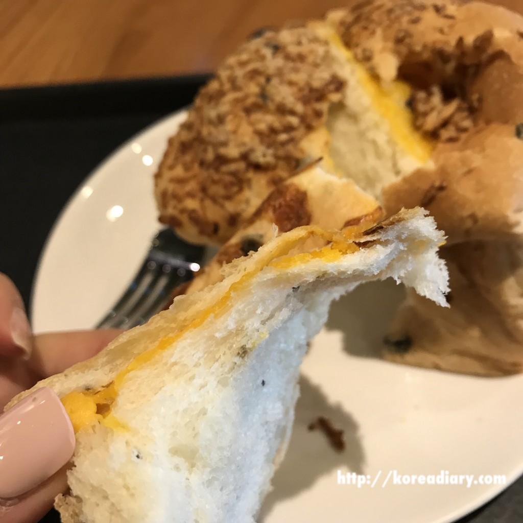 韓国スタバ オリーブダブルチーズフォカッチャ