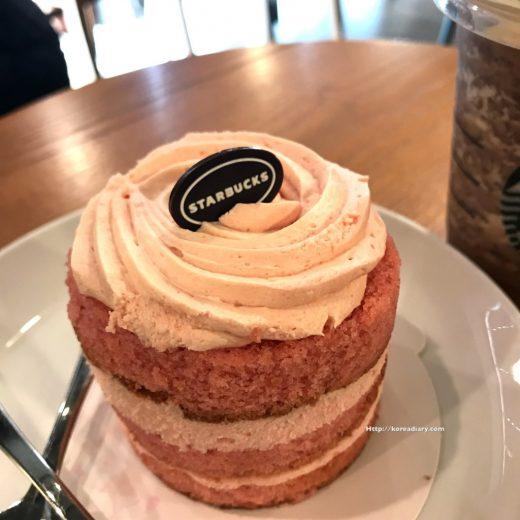 韓国スタバ スプリングラブリーケーキ♪