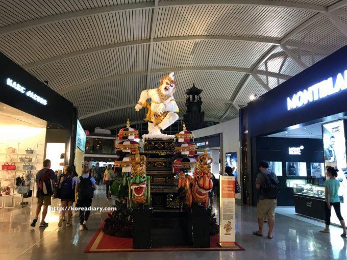 デンパサール空港から仁川空港へ。