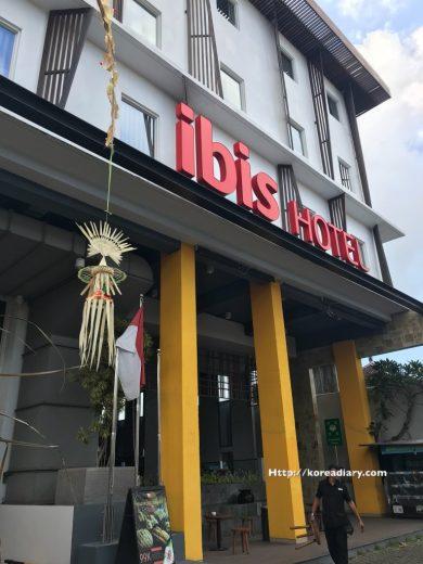 デンパサール空港からイビスバリレギャンストリートホテルへ。ibis Bali Legian Street