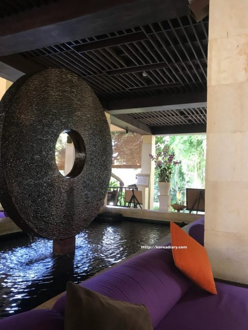 サヌールのメルキュールリゾートへ。Mercure Resort Sanur
