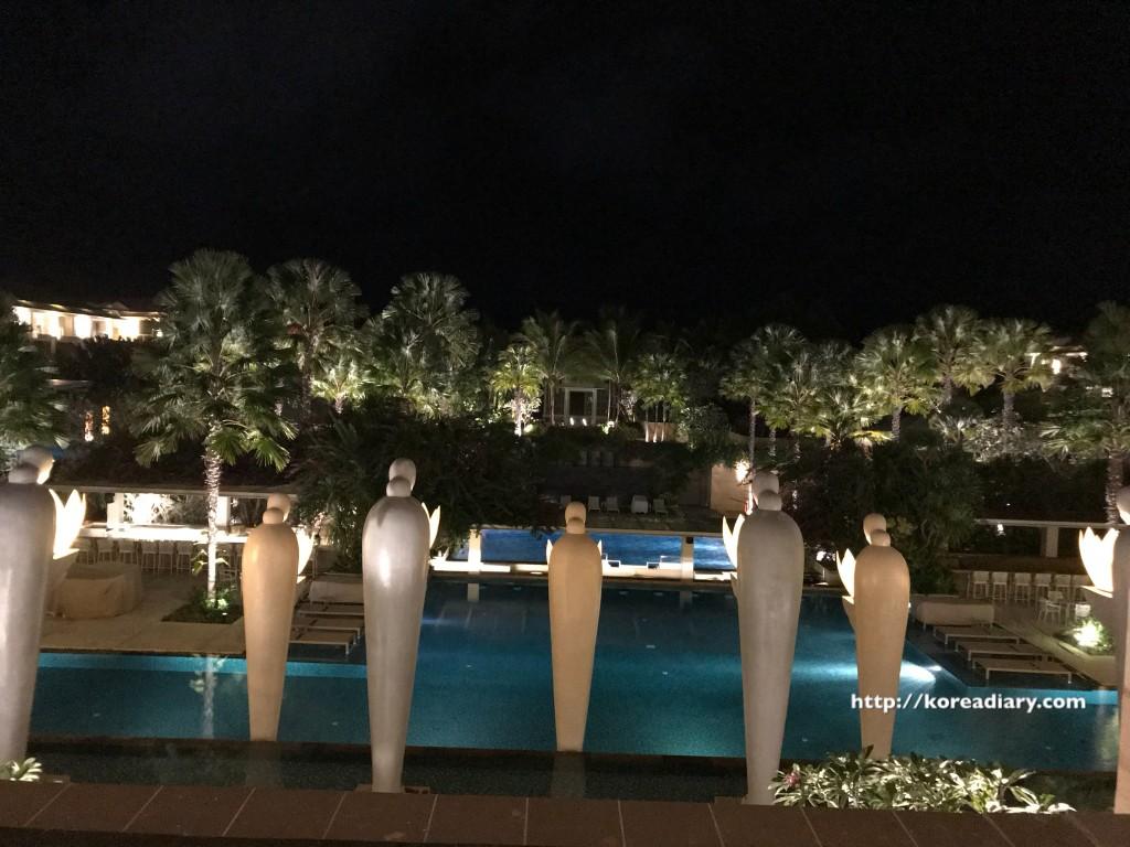 ムリアリゾートのクラブなど。Mulia Resort