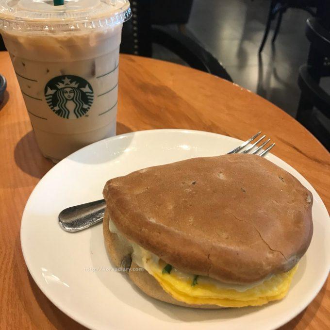 韓国スタバ オムレットチーズポケットサンドイッチ♪