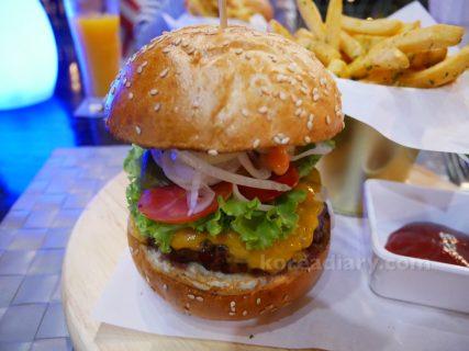 バンコクの美味しい本格ハンバーガー。New York Style Steak & Burger