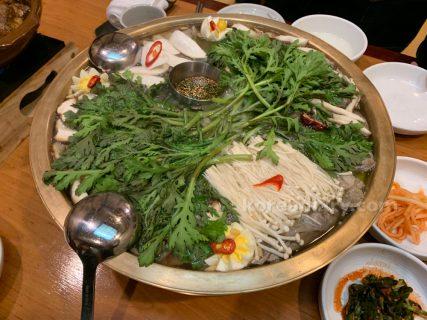 南浦麺屋で平壌式牛肉鍋をいただく。