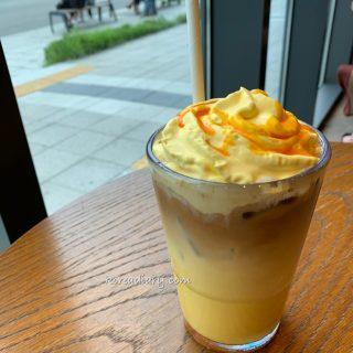 韓国スタバ かぼちゃラテwithショット。