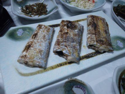 済州島名物の焼き太刀魚の夕飯。