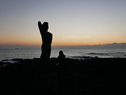 ヘビチホテルの海岸から見える日の出。