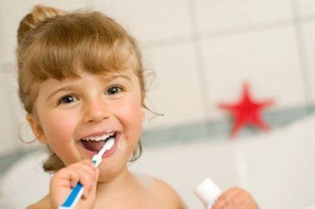 歯科矯正調整日 ワイヤー交換と歯茎チェック
